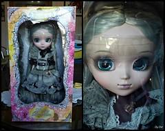 Box Moment!!! (Helena *u*) (Bell) Tags: pullip premium romantic alice monochrome helena rosemberg box moment