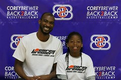 IMG_5685 (dbadair) Tags: basketballcampback2backcoreybrewer2016campgainesvillegatore04sday2 gainesville florida unitedstates basketball gator 2 united states camp back2back corey brewer 2016 04s day houston rockets uf gators 7d2 7dm2