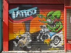 Artiste inconnu(e) sur la boutique d'un tatoueur (Archi & Philou) Tags: inconnu unknown tattoo magasin shutter rideaumtallique paris11 streetart