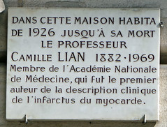 Camille Lian plaque - 19 rue de Bourgogne, Paris 7th arr (Monceau) Tags: openplaques:id=41804 camillelian 19ruedebourgogne paris 7tharr plaque physician doctor heart heartdoctor myocardialinfarction