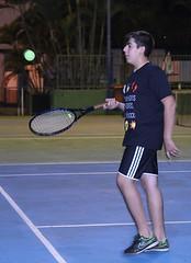 Sob as quadras de tnis (PortalJornalismoESPM.SP) Tags: tnis quadra jogo partida jovem adolescente esporte bolinha clube raquete