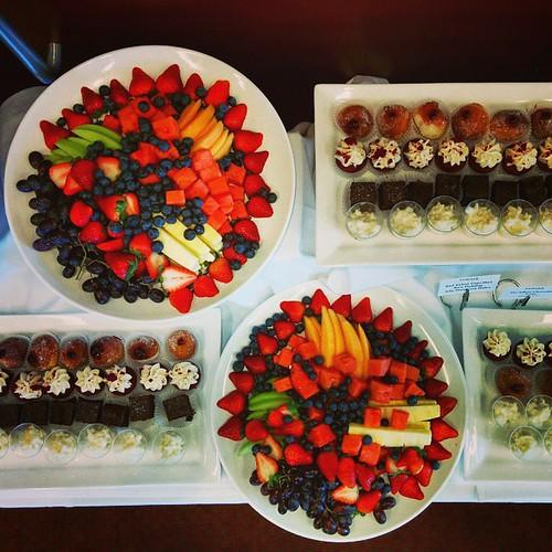 #columbiauniversity #columbialaw #facultylunch #fruitplatter #cupcakes