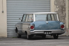 Falcon Station Wagon (xwattez) Tags: old france ford car station wagon automobile break voiture american falcon transports toulouse cour ancienne 2015 rsidence vhicule amricaine