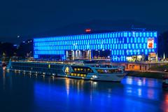 Lentos Kunstmuseum Linz (daumy) Tags: architecture linz lumire muse moderne bleu reflet bateau nuit nocturne obersterreich transparence autriche verre navire croisiere nikonflickraward