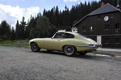 Beautiful car with a stunning background (Pim Stouten) Tags: jag jaguar fhc coup etype xke mk1 series1 primroseyellow 38 classic sportscar sportauto sportwagen