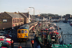 33116 Weymouth 11/12/93 (LinesideSouthEast) Tags: brblue class33 crompton diesellocomotive london rail railroad railway railways track tracks train trains