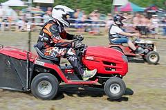 drag060 (minitmoog) Tags: dragrace grass dragracing sleds snowmobiles skoter veteran vintage lycksele