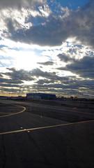 2016-04-08_18-05-08_DSC-HX90V_3971_DxO (miguel.discart) Tags: 2016 24mm avion createdbydxo divers dschx90v dxo editedphoto focallength24mm focallengthin35mmformat24mm iso80 meteo newyork plane sony sonydschx90v travel unitedstate us vacances weather
