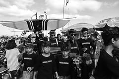 Kite Festival 2016   Padang Galak, Bali (frata60) Tags: nikon v1 1030mm vr bali zwartwit zw indonesia indonesi people kite vlieger festival sanur mensen raw