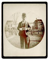 f_redsKodak (ricksoloway) Tags: vintagekodak phototrouvee foundphotos antiquephotos vintagephotos kodak vintagemen vintagephotogear classiccameras peoplewithcameras photohistory photographica