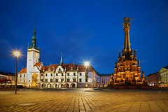 Heart of Moravia, Olomouc (Pavel Cervenka Photographer) Tags: olomouc city moravia czech republic townhall square holy trinity column pavement sky blue hour night dark architecture wide angle building lamp light nice colorful beautiful wonderful pavel cervenka canon 6d ef2035