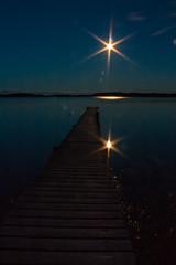 IMG_1594-1 (Andre56154) Tags: schweden sweden sverige himmel sky nacht night mond moon steg pier bridge wasser water schren ufer kste coast archipelago spiegelung reflexion reflection