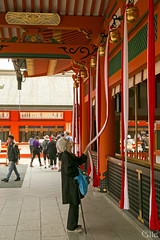 Rezando (_Galle_) Tags: city miguel japan angel canon photography japanese photo kyoto asia foto photographer inari photos mark iii hill capital ciudad mount fotos  5d nippon monte fotografia kioto galle prefecture kansai region  torii japon japones jinja fotgrafo nihon japoneses fotografo toris fushimi fotografa japn gallego honshu  kyto  toriis inaritaisha  prefectura japanesse a kytoshi fushimiku nihonkoku nipponkoku sintoismo kyotoshi sintoista bunsha