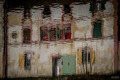 La porte verte (Explore) (RVBO) Tags: reflets leloing