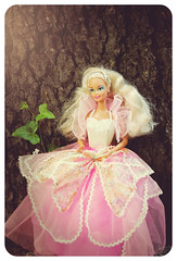 Costume Ball Barbie - 1990 (moodydolls) Tags: vintage doll barbie 1990 bambola costume ball ballo maschera butterfly farfalla flower fiore pink white rosa bianco dress abito mattel