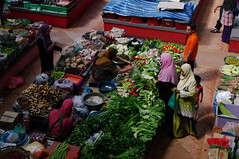Market, Kota Bharu, Malaysia (ARNAUD_Z_VOYAGE) Tags: street city car architecture landscape asia market south capital border north east part national thai malaysia federal kota malay territory northeastern kelantan peninsular bharu