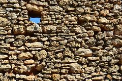 C' una crepa in ogni cosa. Ed  da l che entra la luce.(CALTAGIRONE, SICILIA) (S.Torrisi@ph) Tags: crack ligth luce texture abandoned rudere muro rocce sicilia sicily caltagirone