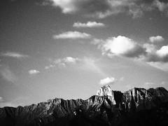 Pizzo Badile e nuvole (sandra_simonetti88) Tags: vallecamonica valcamonica lombardy lombardia montagna montagne mountains bw bn biancoenero nuvole pizzobadile clouds