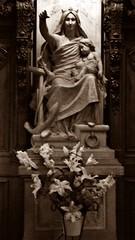 14 - Nantes, Notre-Dame-de-Bon-Port, Statue (melina1965) Tags: pays de loire loireatlantique nantes juillet july 2016 nikon d80 sculpture sculptures statue statues spia sepia