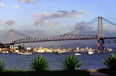 Ponte Hercilio Luz (rumbosperu) Tags: vertical horizontal brasil florianpolis ponte florianopolis santacatarina sul hercilioluz pontehercilioluz