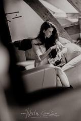 Wouter Keuris Fotografie-17 (wouter.keuris) Tags: sexy rock les paul model photoshoot bass guitars fender gibson hardrock epiphone squier telecaster framus