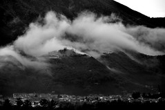 @ home (corvo_torvo) Tags: blackandwhite bw montagne nikon nikkor nebbia biancoenero nikkor70210 irpinia longobardo nikond90 montipicentini montellaav monasterosantamariadellaneve paesaggiirpini