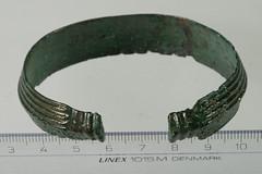 Ring, armring [OBM/FSB468b] (1) (Odense Bys Museer) Tags: ring armring kobberlegering findinge espe