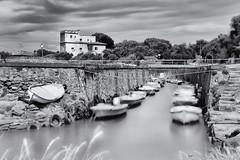 Barche pescatori (stefanogrechi) Tags: bw panorama white black alberi long nuvole mare barche exposition villa sole rocce pesca lunghe esposizioni