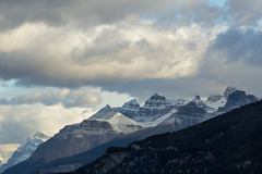 Good Morning Giant (Bun Lee) Tags: cloud canada mountains nature closeup landscape rockies overcast alberta rockymountains jaspernationalpark cloudscapes banffnationalpark mountainrange canadianrockies icefieldparkway cloudyskies improvementdistrictno9 mountnoyes bunlee bunleephotography