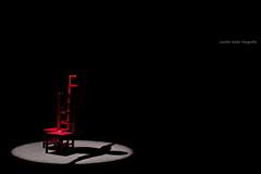 Magia... (Jezabel Galán) Tags: teatro espectaculo silla actor payaso circus circo theater artístas espectáculo huelva circada festival canon réflex jezabel