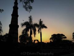 Qutub Minar (db2810) Tags: new sunset india buildings evening delhi monuments qutub minar