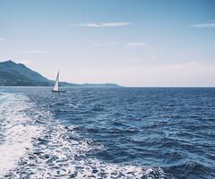 (Brunella Pastore) Tags: mare traghetto ischia partenze arrivi viaggi travel barca onde