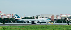 _MG_1106 (WayChen_C) Tags: aircfaft airplane rckh khh boeing 747 747400 cathaypacific bhui