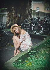 jaylin-0033 ( Jaylin) Tags: school portrait girl hat rain studio outside glasses model women university longhair taiwan straw olympus oldhouse dresses taipei mirco turf omd   jaylin m43   40150mm mzd  jelin      linjay