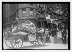 4th July (LOC) (The Library of Congress) Tags: libraryofcongress dc:identifier=httphdllocgovlocpnpggbain27397 xmlns:dc=httppurlorgdcelements11 loyaltyparade 1918 newyork 5thavenue