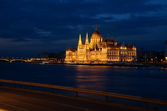 Parlament Budapest (johannes woi) Tags: parliament parlament budapest ungarn hungary nacht night time orszghz sehenswrdigkeit poi donau