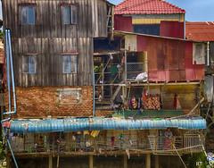 Cambodia - Phnom phen - caos4 (Rui Trancoso) Tags: cambodia tonle sap river upstream rui trancoso