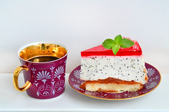 Kuchen mit Joghurt-Creme und Mohn (wuestenigel) Tags: kuchen marmelade mehl essen gelee mohn food kaffee zucker sauresahne erdbeergelee kaffeepause dessert gebck joghurt ssigkeiten