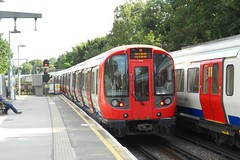 S8 (21114) - Ealing Common (GreenHoover) Tags: londonunderground tube lu surfacestock subsurfacestock metropolitanline ealingcommon sstock s8 districtline piccadillyline 21114