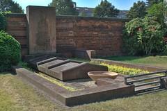 Stadtfriedhof Stcken 031 (michael.schoof) Tags: hannover friedhof grabmal