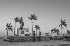 Fotografiando a Francisco (Zeros86) Tags: street square amazing nikon nef colonial granada nicaragua centroamerica nikond3200 lacalzada d3200 latinomerica callelacalzada lacalzadastreet zeros86 zeros86photography