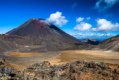 tangariro national park 莽原 (nzfisher) Tags: newzealand sky cloud mountain nature clouds canon landscape volcano nationalpark rocks cloudy fine sunny 24mm wilderness ngauruhoe mtngauruhoe tangarironationalpark