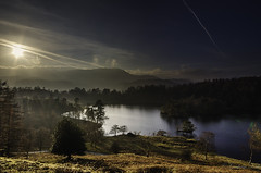 Tarn Hows as the sun sets behind the mountains. (kidda63) Tags: