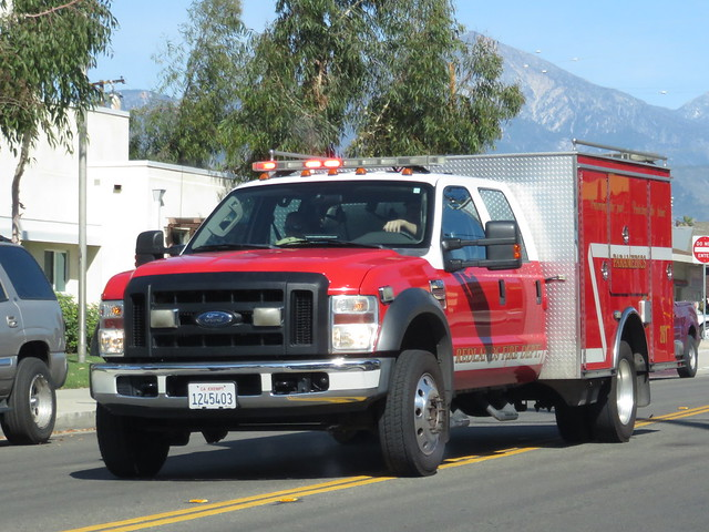 redlandscaliforniafiredepartmentmedicsquad261fordf550rescue