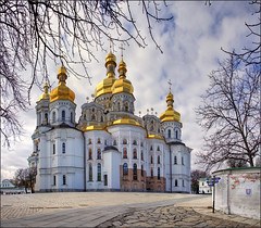 Dormition Cathedral - Pechersk Lavra (EXPLORE) (Bert Kaufmann) Tags: cathedral unesco monastery orthodox kiev kyiv unescoworldheritage klooster worldheritage kathedraal kievpechersklavra pechersklavra kievmonasteryofthecaves monasteryofthecaves  werelderfgoed dormitioncathedral kyivpechersklavra unescowerelderfgoed kyievopecherskalavra holenklooster  uspenskiysobor