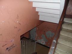 Monclar (Avignon_Sud) Tags: avignon hlm salet poubelles pauvret insalubre insalubrit eboueurs champfleury monclar