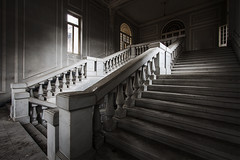 (ilConte) Tags: abandoned scale architecture stairs hospital ar decay treppe architektur asylum architettura ospedale abbandono ospedalepsichiatrico