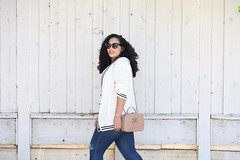 Casually Preppy (GirlWithCurves) Tags: taneshaawasthi girlwithcurves curlyhair plussizeblogger curvy sneakers skinnyjeans chanelbag