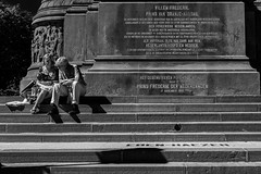 _DMC4054-Fuji-Neopan-acros-100 (duncen.mcleod) Tags: sgravenhage blackwhite blackandwhite denhaag madeinholland noirblanc noiretblanc oranjenassau prinsvanoranje schwarzwies the haguestad willemfrederikprinsvanoranjenassau zwartwit 2470f28 city d4 nederland nikkor nikon schwarsweiss straatfotografie strasenfotografe streetphotography monument scharzweis scharzweiss