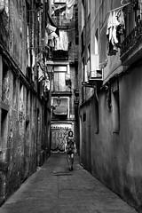 Without output (Nicols Rosell) Tags: raval barcelona catalunya catalonia espaa spain europe europa blackwhrite blancoynegro street calle ciudad city urban urbana personas person nikon nikond7100 d7100